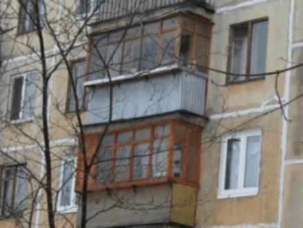 П-образный балкон 1605