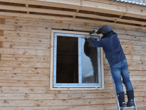 Установка окна ПВХ в деревянный дом