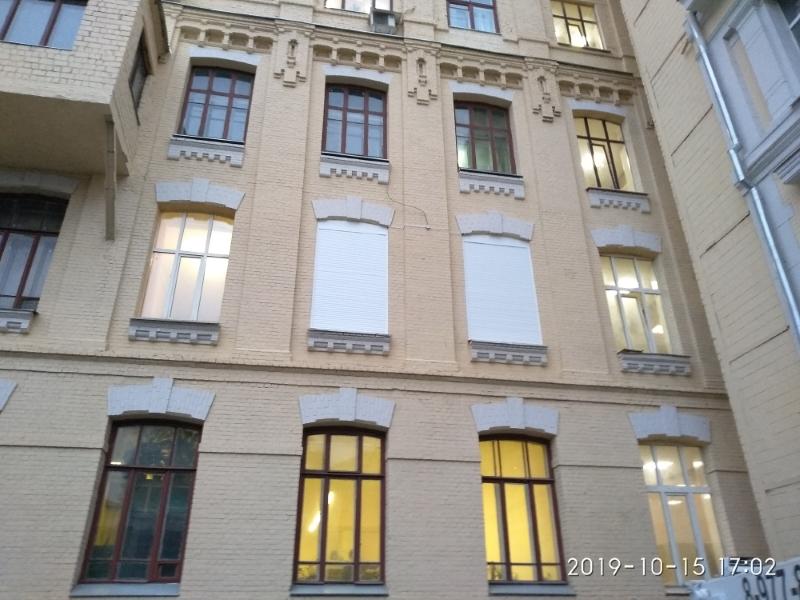 рольставни на окна второго этажа