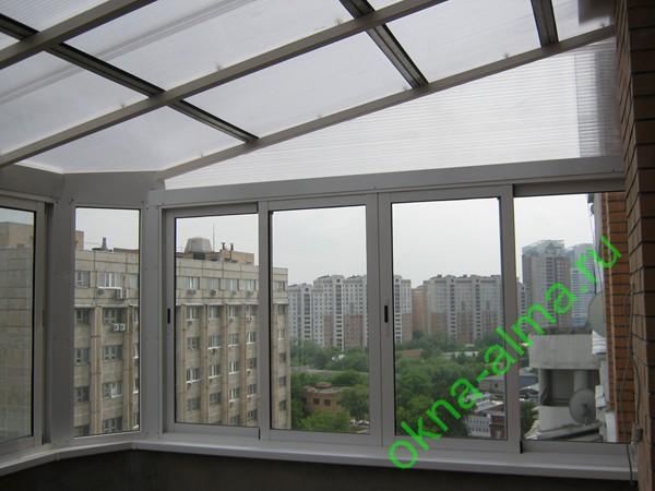 Остекление балконов поликарбонатом..